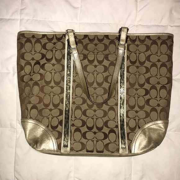 Coach Handbags - Coach tote purse